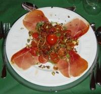 carpaccio_van_serranoham_en_tomaat