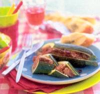 Courgette gevuld met kruidig gehakt