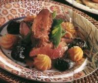Eendenborst met pruimen en portsaus