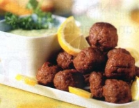 Griekse gehaktballetjes met citroen-eiersaus
