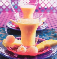 Lassi-mangodrankje met vruchten