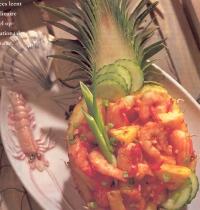 Roergebakken garnalen met ananas