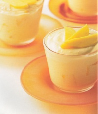 Romige mango-yoghurttoetjes