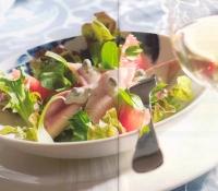 Salade met gerookte forel en rode grapefruit