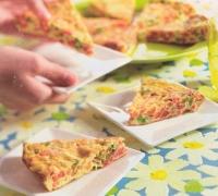 Tortilla met chorizo, paprika en doperwtjes