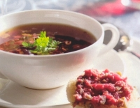 Wildbouillon met tapenade