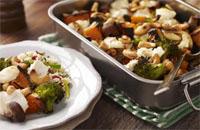 Geroosterde groenten met noten en geitenkaas